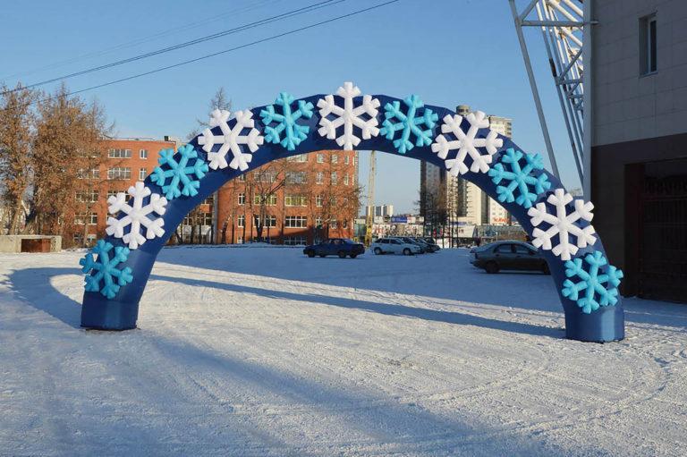 Надувная арка со снежинками
