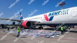 Надувной ангар для ремонта самолета, установка