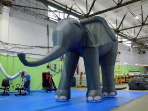 надувной слон, надувные декорации, сценические декорации, надувные декорации для сцены,