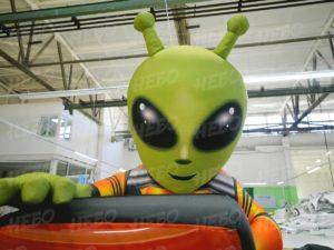 Надувная фигура инопланетянин DNS