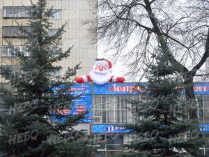 Надувная голова Деда Мороза на козырек
