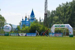 Надувной шар на опоре для фестиваля дворового футбола Метрошка