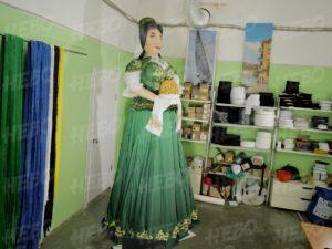 Надувная фигура девушка татарка