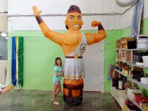 Надувная фигура грек с машущей рукой
