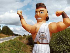 Надувной грек с машущей рукой у заказчика